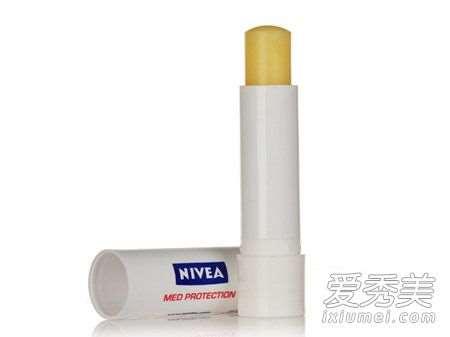 唇膏保质期一般多久 润唇膏过期了还能用吗