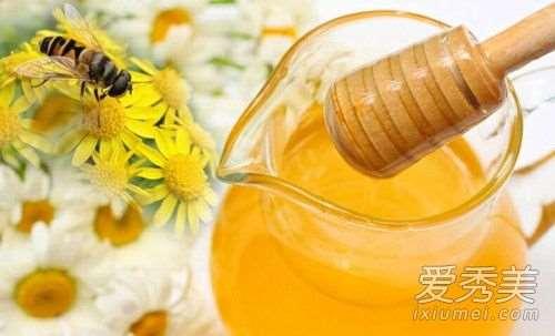 用蜂蜜洗脸有什么好处 用蜂蜜洗脸的正确方法