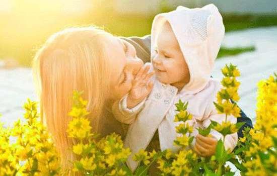 婴儿夏天几点晒太阳 早上八点前晒比较好