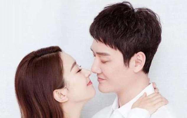 """""""八阿哥""""冯绍峰综艺处女秀,网友直呼,是出来给儿子赚奶粉钱吗"""
