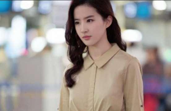 刘亦菲迎来人生中的第32个生日,好闺蜜唐嫣晒美照为其庆生