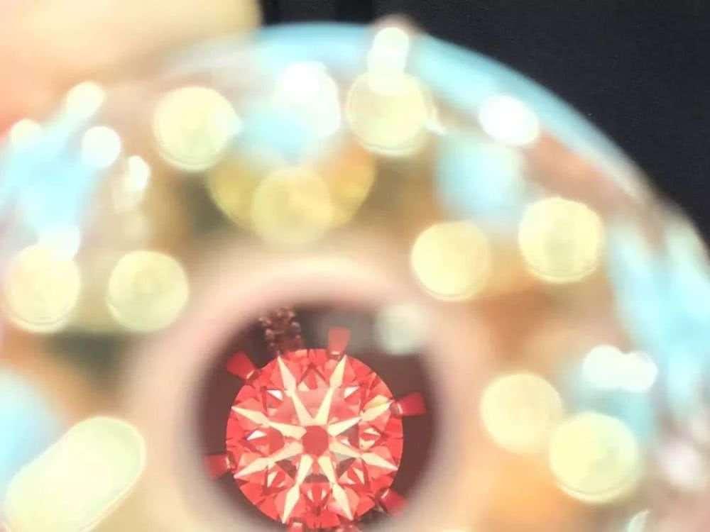 节目花絮|你知道钻石放大后是什么样的吗?