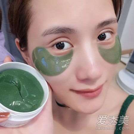 眼膜可以敷着睡觉吗 眼膜可以重复使用吗_爱美肌护肤品怎么样