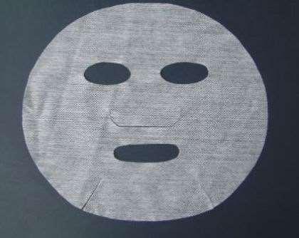 无纺布面膜和蚕丝面膜哪个好 无纺布面膜的危害_蓓慕护肤品多少钱一套