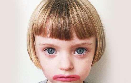 儿童女孩梳头发的花样