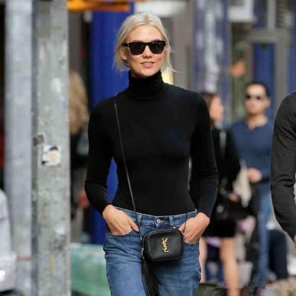 超模 Karlie Kloss 和男友现身街拍 同款眼镜出街大秀甜蜜