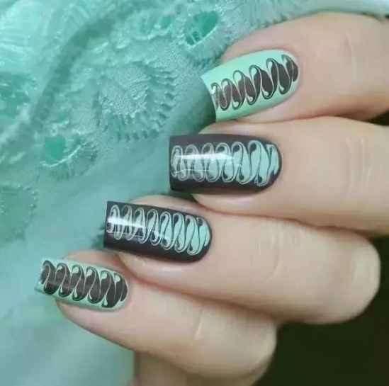 diy美甲步骤和解说图 想要DIY美甲吗,一根牙签就能做到!