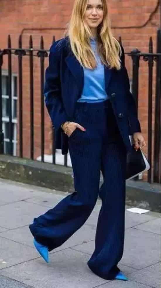 深蓝色衣服配什么裤子 优雅大气深邃