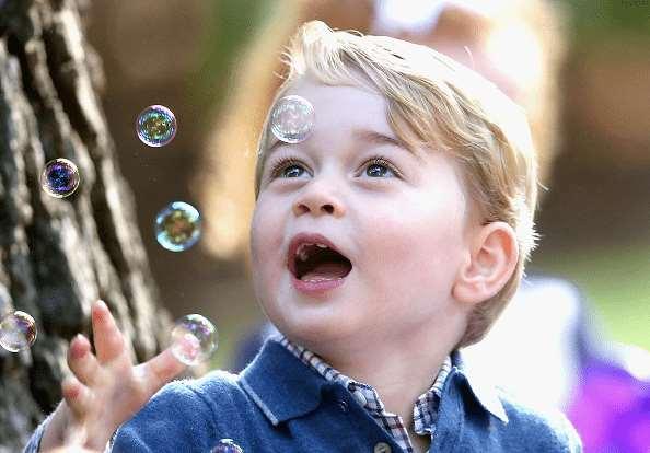 英国乔治小王子最新照片