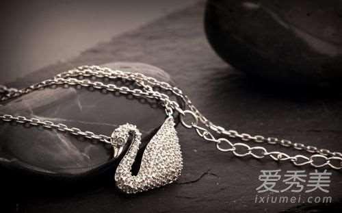 天鹅项链是什么牌子 施华洛世奇的品牌