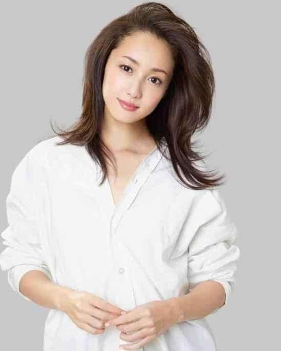 30岁的女人适合什么发型 最迷人的年龄最迷人的发型
