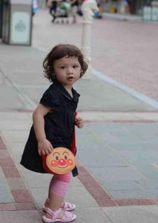 2岁宝宝创意发型 粉嘟嘟的可爱小精灵