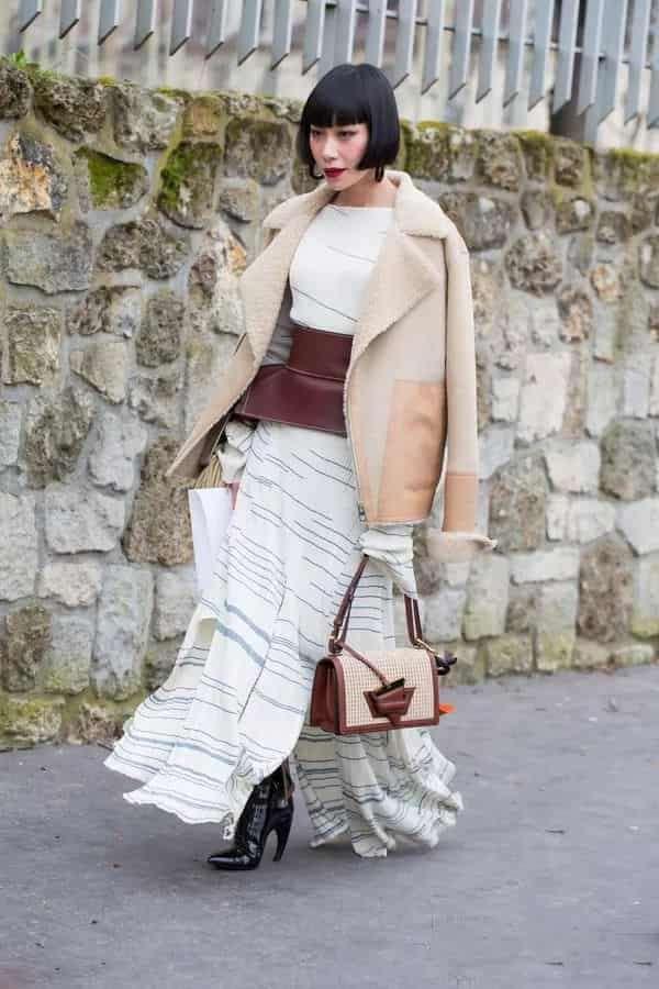 羊羔绒外套怎么搭配裙子 层次感穿搭