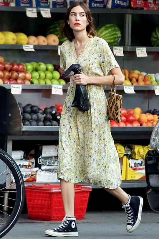 女生匡威鞋怎么搭配 匡威和万斯在夏季一定要配这一件单品!