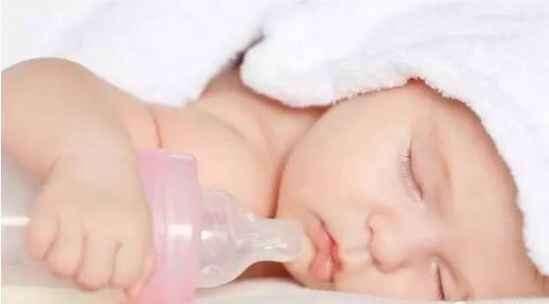 新生儿奶瓶应该怎么选 各种材质奶瓶了解下