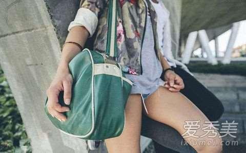 女生的包包里必备什么 精致的女孩儿包里都应该有的五件小物