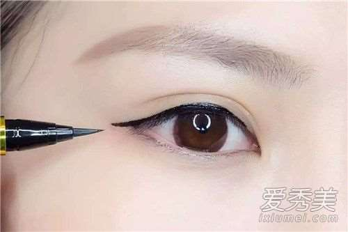 画内眼线会渗到眼睛吗 长时间画内眼线的危害