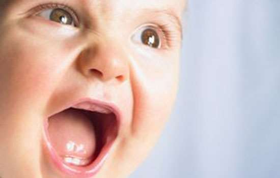 宝宝换牙下牙没掉就长出了新牙