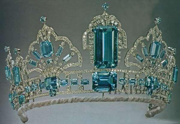 英国女王的皇冠 盘点那些花钱也买不到的珍品