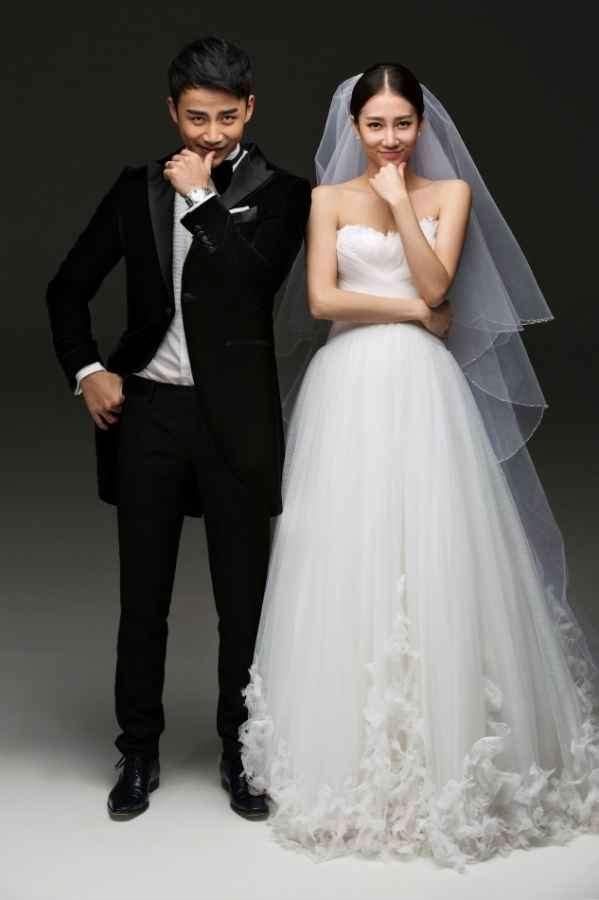 李茂弦子甜蜜完婚 浪漫婚纱照逗趣显俏皮