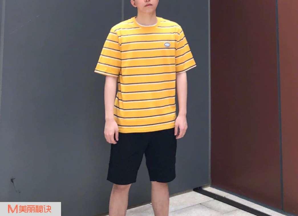 夏天男生时尚T恤穿搭 凉爽舒适的享受感