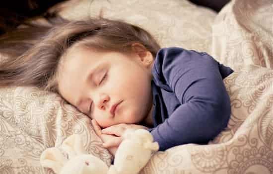 吵夜的宝宝怎么办 家长应做到这六点