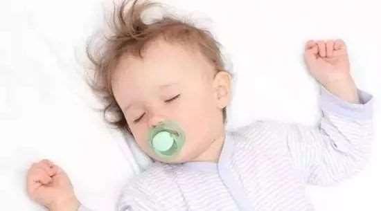 宝宝不吃奶粉是为什么 7招帮你解决烦恼