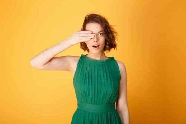 2013艾美奖女星红毯着装 朱莉安·浩夫透视长礼服最性感
