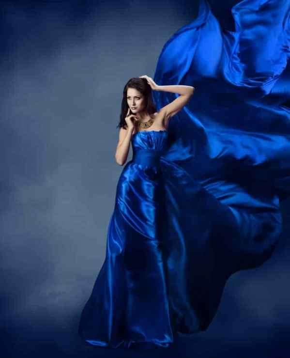 罗茜·汉丁顿等欧美女星演绎迷人性感露肤装穿搭