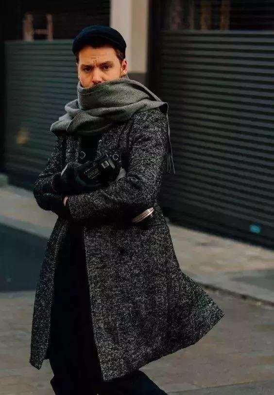 男生冬天戴什么围巾好看 冬天型男的造型神器
