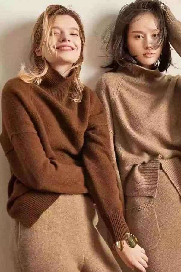 毛衣怎样塞衣角好看 18秋冬毛衣流行这么塞最少显高5cm