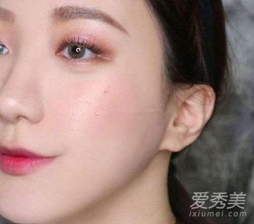 玫瑰色妆容怎么化 玫瑰色妆容画法步骤详解!