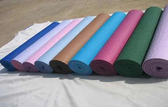 瑜伽垫怎么选择 初学者选购瑜伽垫需关注这7点