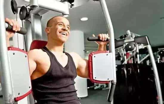 锻炼胸肌的器材 力荐6大练胸肌的健身器材