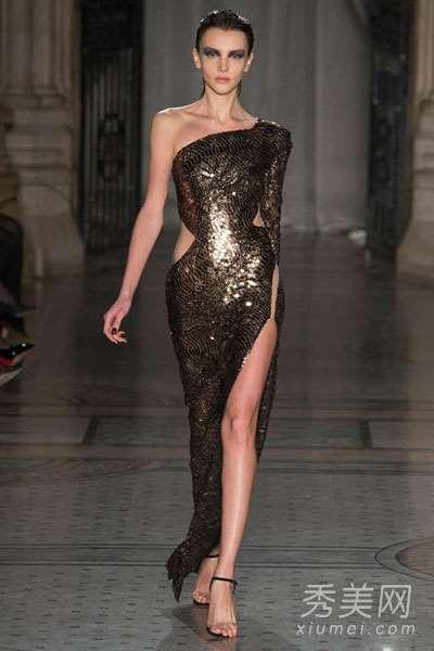 伦敦时装周 模特真空走秀