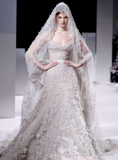 高级定制婚纱秀 奢华头纱夺眼球