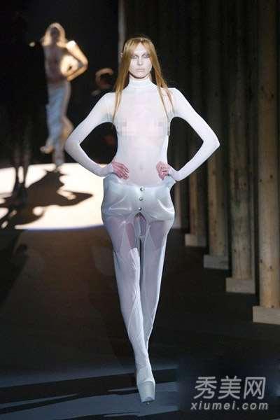 性感诱惑!巴黎时装周上的透视装