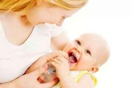 宝宝断奶小窍门 怎么正确给宝宝断奶