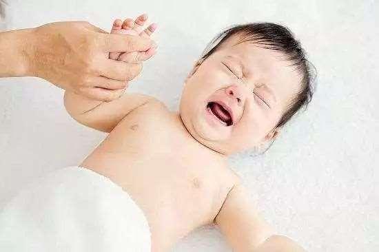 婴儿肚子胀气怎么办 7招帮你轻松缓解