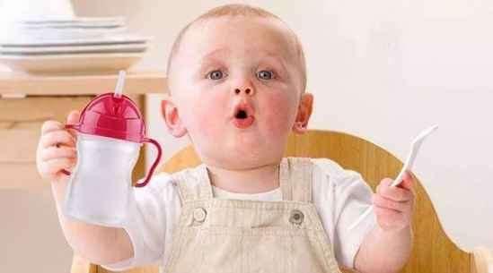 宝宝不爱喝水问题大吗
