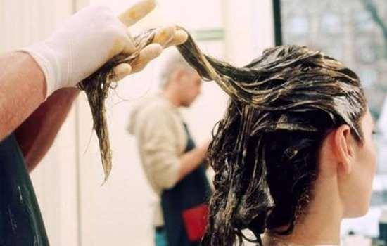 自己在家染了头发多久才可以洗 20—30分钟洗掉染发剂