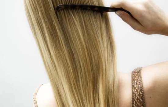 刚烫完头发梳了怎么办 烫的头发能用梳子梳吗