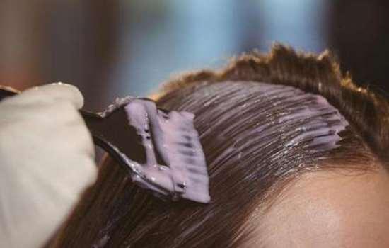 头发越染越白是真的吗 并没有科学证据