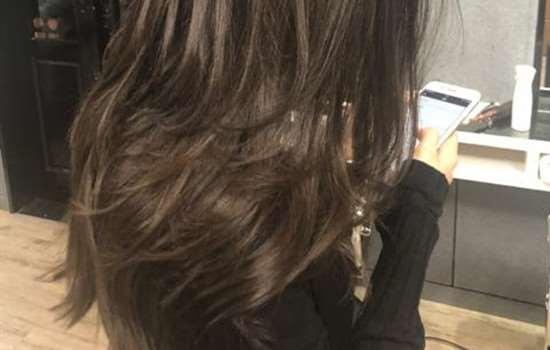 染的头发太绿了褪色妙招 头发褪色要这么做