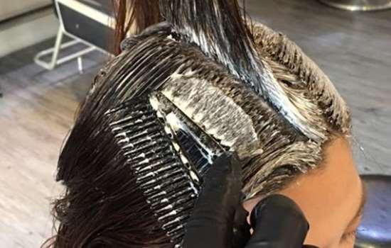 烫发后多久可以染发 同时烫染危害加大