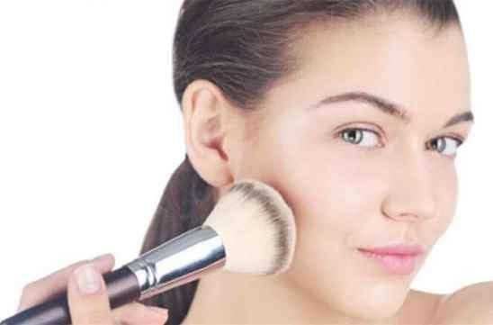 点完痣多久可以用粉底 四周后再化妆更保险