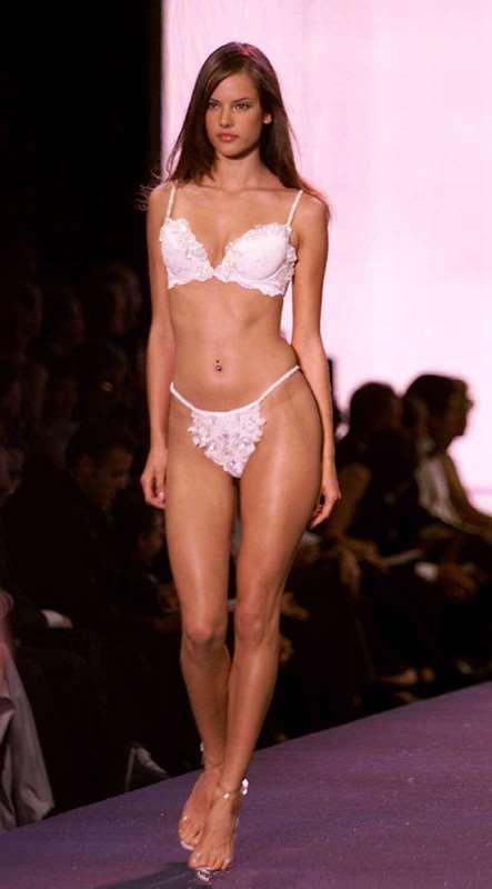 Alessandra Ambrosio的美丽瞬间 一直美下去的天使~