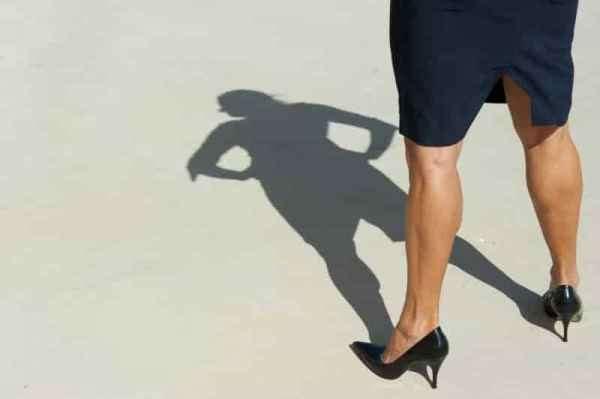 超模Adriana Lima海边度假 性感比基尼美出新高