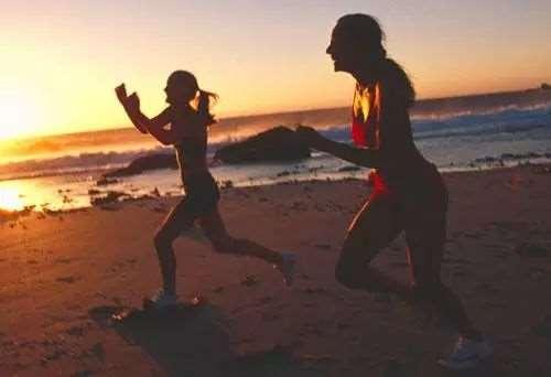 如何正确跑步减肥 长时间次数较少的跑步