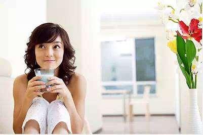 生姜蜂蜜水减肥法 让你瘦成小腰精